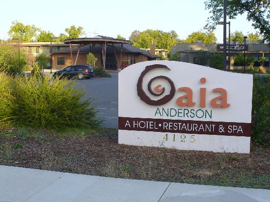Gaia Hotel & Spa Redding, an Ascend Hotel Collection Member: Entrance to Gaia