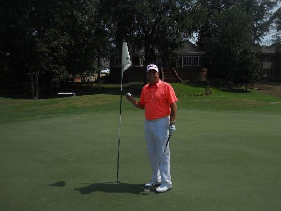 Old Waverly : Chip In for Birdie