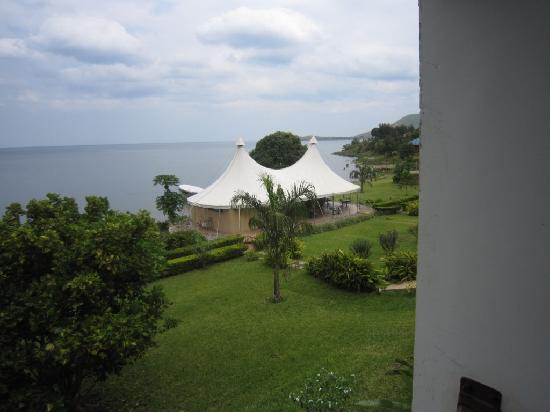 Lake Tanganyika Hotel: The tented pub