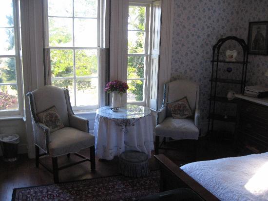 Mayhurst Inn: Southern Charm room
