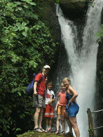 Tilaran, Kosta Rika: Firts Waterfall