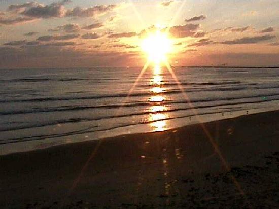Isla Blanca Park: sunrise