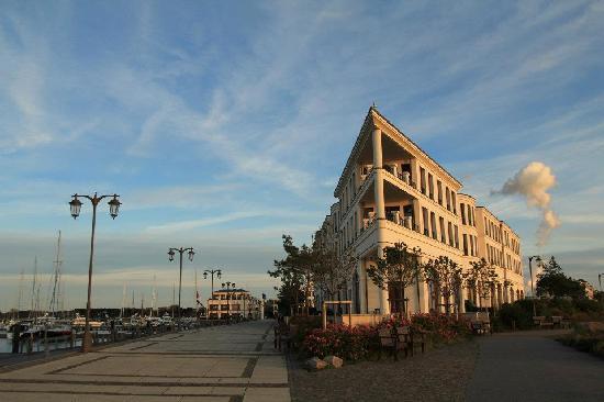 Conference center des hotels bild von yachthafenresidenz for Aja resort warnemunde suite