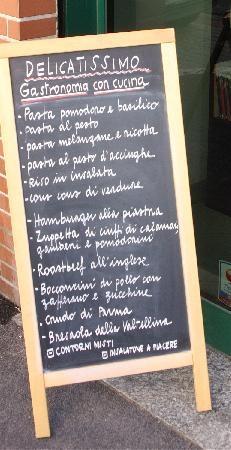 Delicatissimo: menu, frontage and dining areas