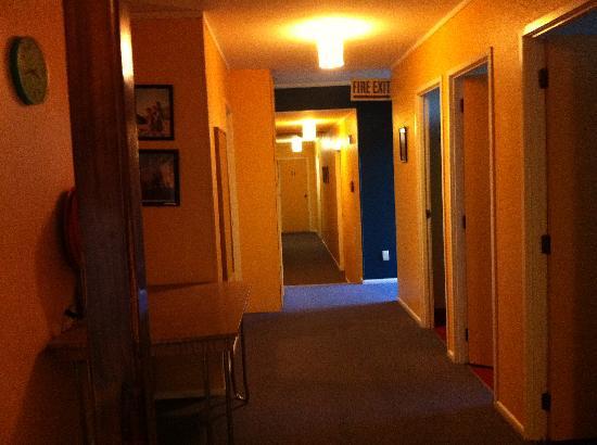 Tasman Bay Backpackers : The Hallway