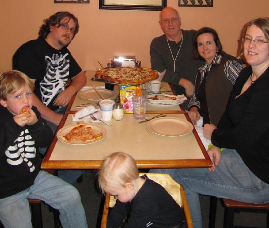 Lil Cucci's Pizzeria: Pizza Time!
