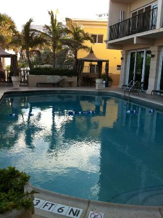 Sea Lord Hotel & Suites: The pool area