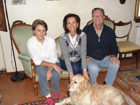 Villa Nobili B&B: Agnes, Alessandra, Paolo, and Flash