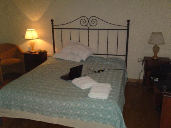 Byzantino Hotel: Bed