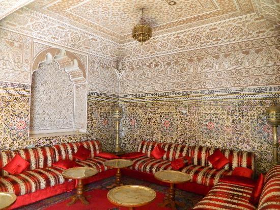 Agdal Hotel : мароккканский салон