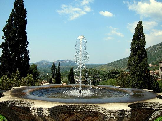 Villa d'Este: Fountains everywhere