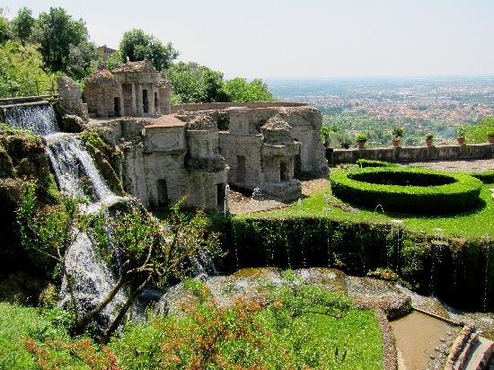 Villa d'Este: More fountains