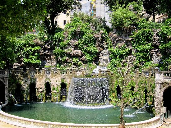 Villa d'Este: Lots of fountains!