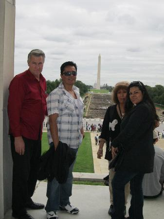 Extended Stay America - Washington, D.C. - Chantilly - Airport: My family and I at the Lincoln Memorial