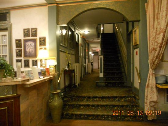 The Cordova Inn: The stairs
