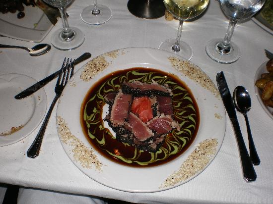 Monterey Bay Fish Grotto : The Ahi-tuna entree selected