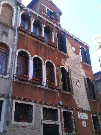 Ca'Contarini 3026: The building from outside