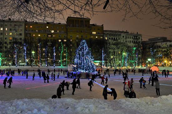 Patriarch's Pond: amazing winter New Year celebration