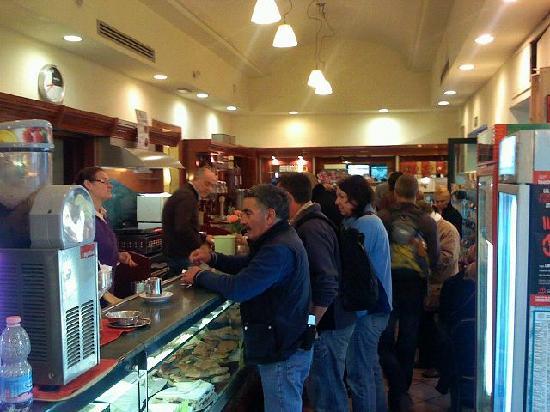 A Casa di Serena a San Pietro: Breakfast