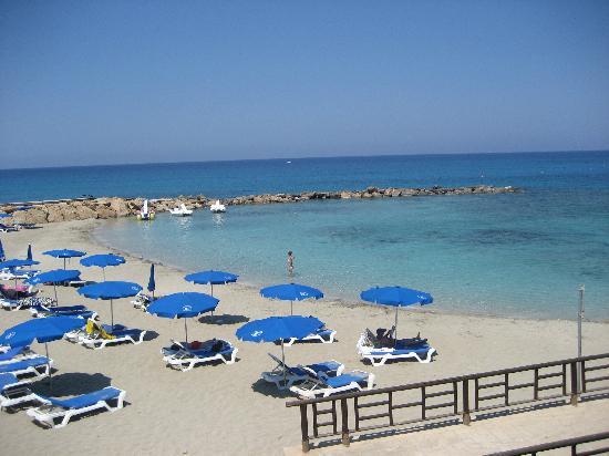 Cavo Maris Beach Hotel : la spiaggia