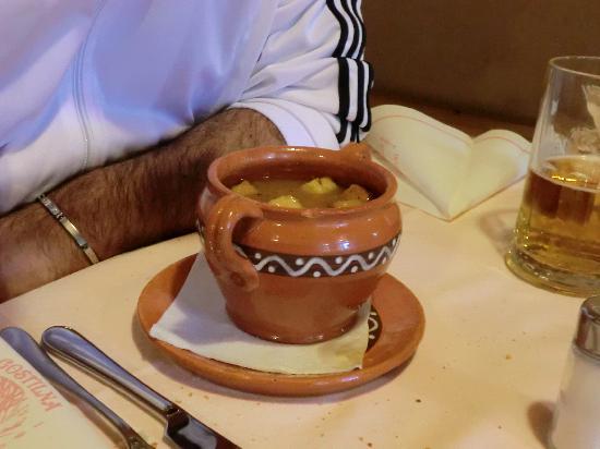 Gostilna Murka: Zuppa con crostini all'aglio
