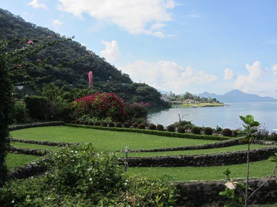 Hotel Atitlan: vista del giardino