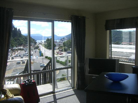 Tombstone Backpackers: View of Picton from the apartment