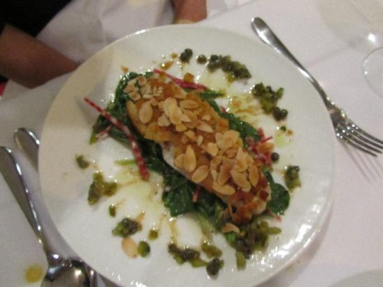 L'Os a Moelle: White fish baked with Almond