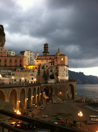 Amalfi Coast Destination Tours Company : One of many beautiful scenes on the Amalfi Coast