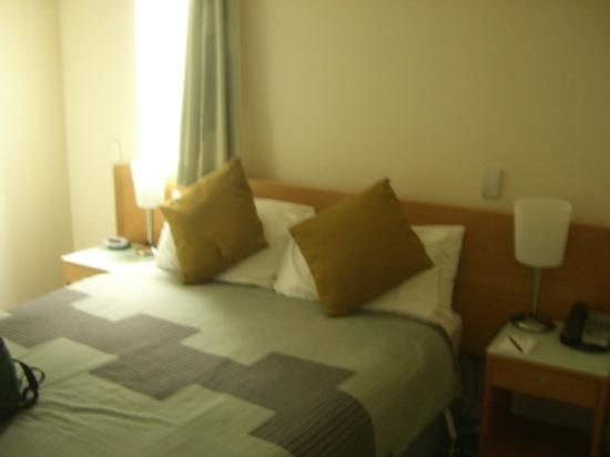 Astelia Apartment Hotel: extremely comfy bed!
