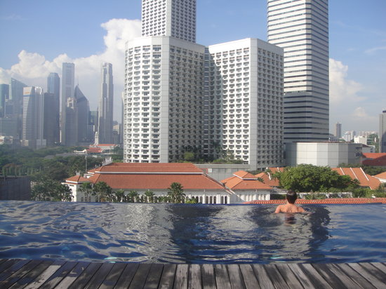 Naumi Hotel: Rooftop Pool with a view