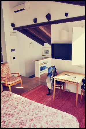 Hotel Residence L'Albero Nascosto : Entrata camera
