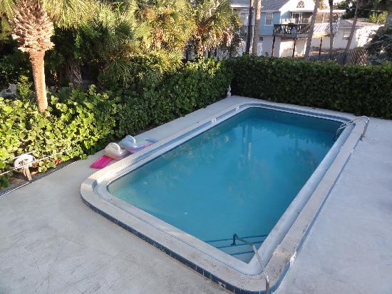 Palm Terrace Resort: Pool