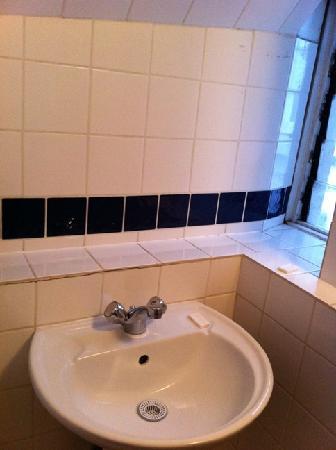 Camelot House Hotel: Le lave-main, ah non le lavabo....