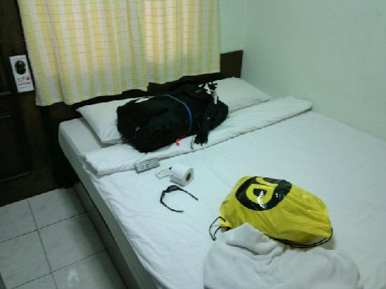 Amarin Inn: nice clean bed