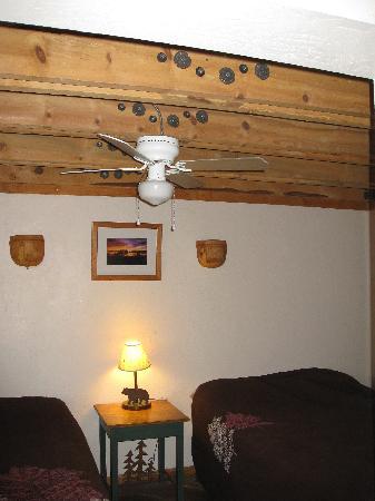Tioga Lodge at Mono Lake: sleeping