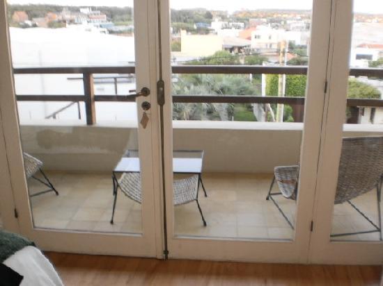 Brisas de La Pedrera Boutique Hotel: Vista hacia el balcón