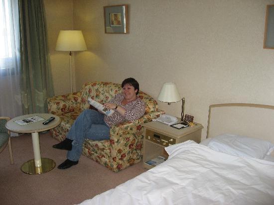 โรงแรมคาราสุม่า เกียวโต: Our room