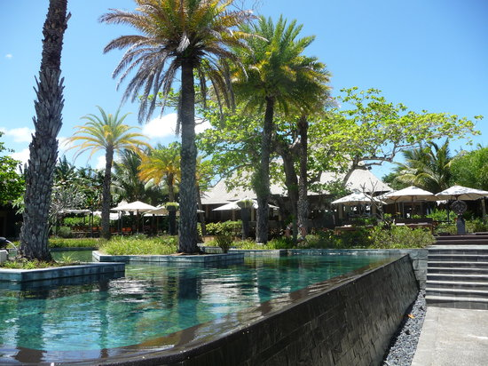 Shanti Maurice - A Nira Resort : main pool