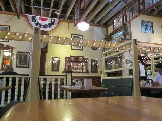Omelette Parlor: interior
