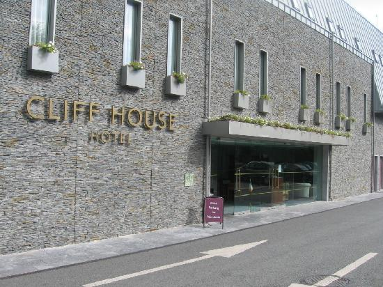 Ardmore, Irlande : Front of the hotel