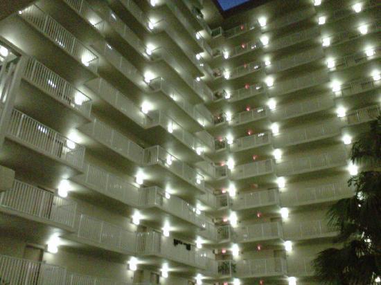 International Palms Resort & Conference Center: bedroom