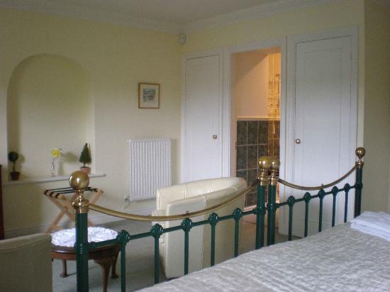 Austons Down: Henley room