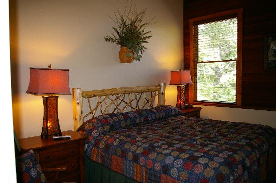 Newly remodeled Rooms, Snow Hill Inn, Franklin NC, 9/2011