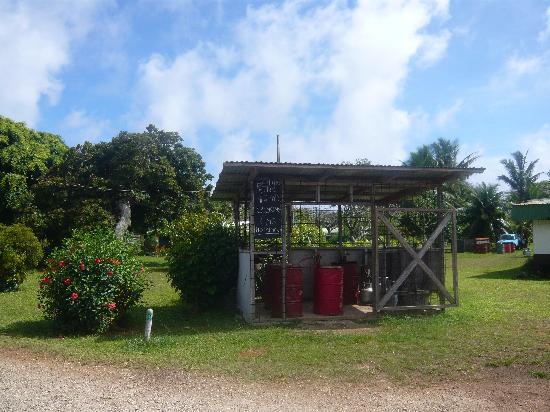 Atiu Homestay: Atiu Petrol Station