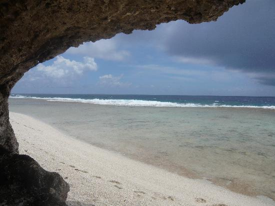 Atiu Homestay: Atiu beach