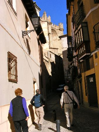 La Posada de Manolo: Leaving the posada to walk to the cathedral