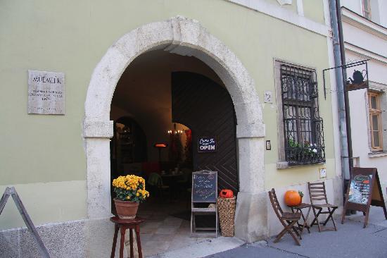 Walzer Café: Cafe entrance