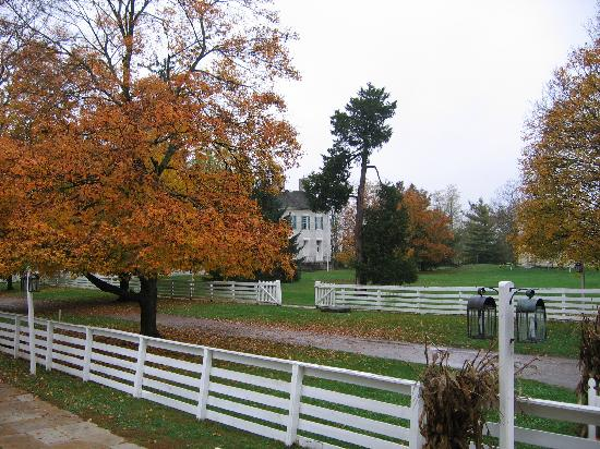 Shaker Village of Pleasant Hill - The Inn: The grounds were lovely, so peaceful.