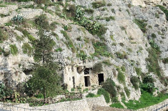 Borgo Hedone : chiafura abitazioni rupestri